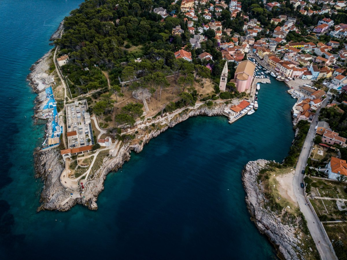 Small port drone photography